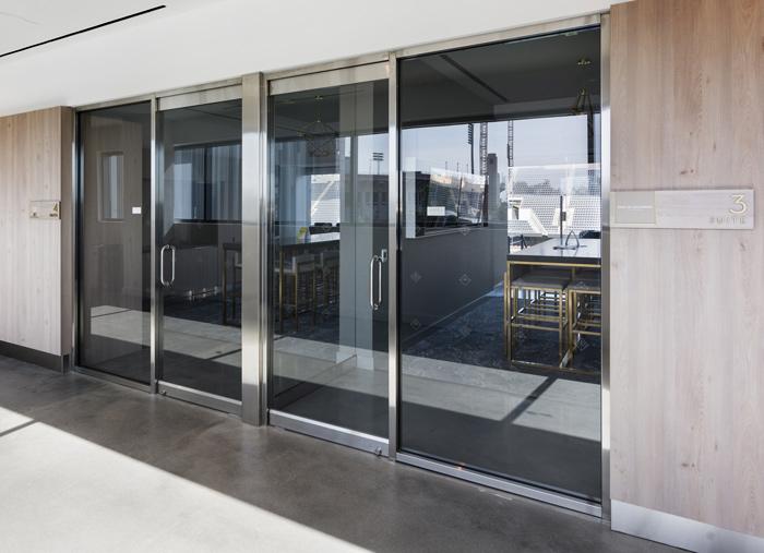 Glazing-door-hardware-banc-california