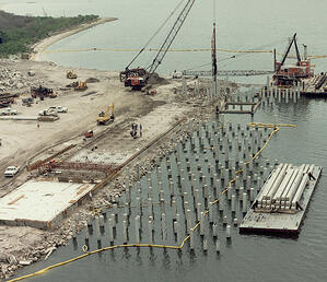 Prestressed-concrete-pile-driving-operation-Port-of-Tampa-web