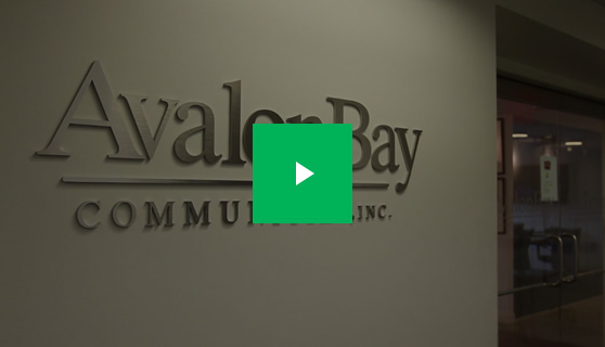 avalon-bay-testimonial-play.jpg