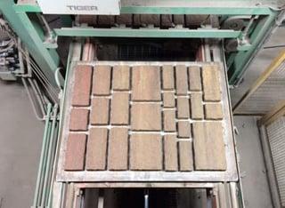 dry cast masonry veneer molding process
